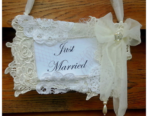 Lace Wedding sign 'Just Married'