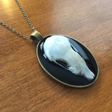 Load image into Gallery viewer, Oval Mole Skull Pendant
