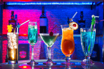 cocktails_in_A_bar