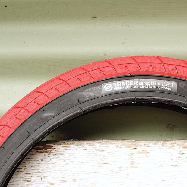 Salt Tracer Tyre 20 X 2.35 Red/Blackwall