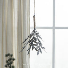 Load image into Gallery viewer, Hanging Mistletoe - Metal