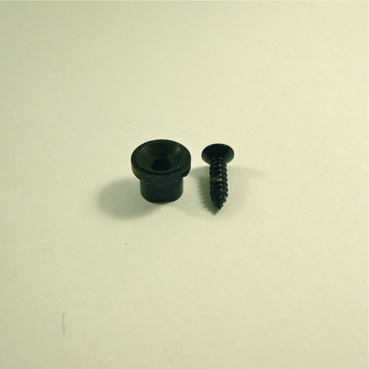 String retainer, button model, with screw