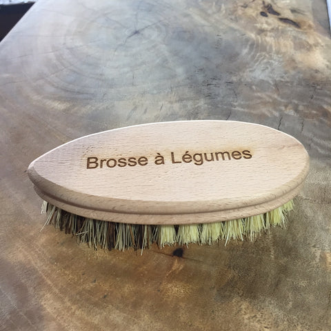 Vegetable Cleaning Brush with French script