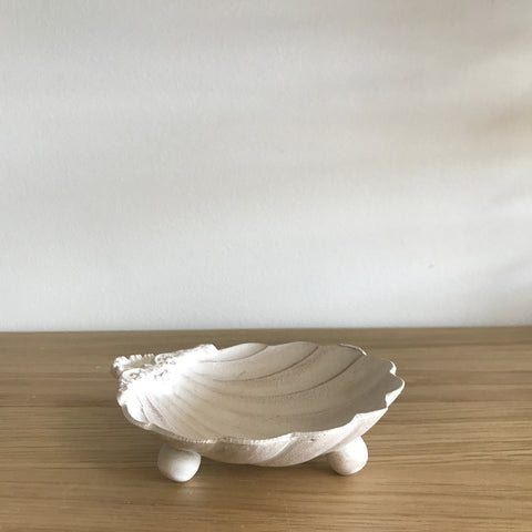 Antiqued Off White Shell Dish