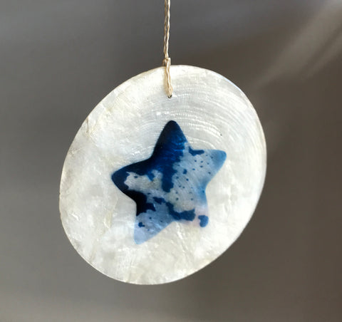 Hanging Round Natural Shell Ornament - Star