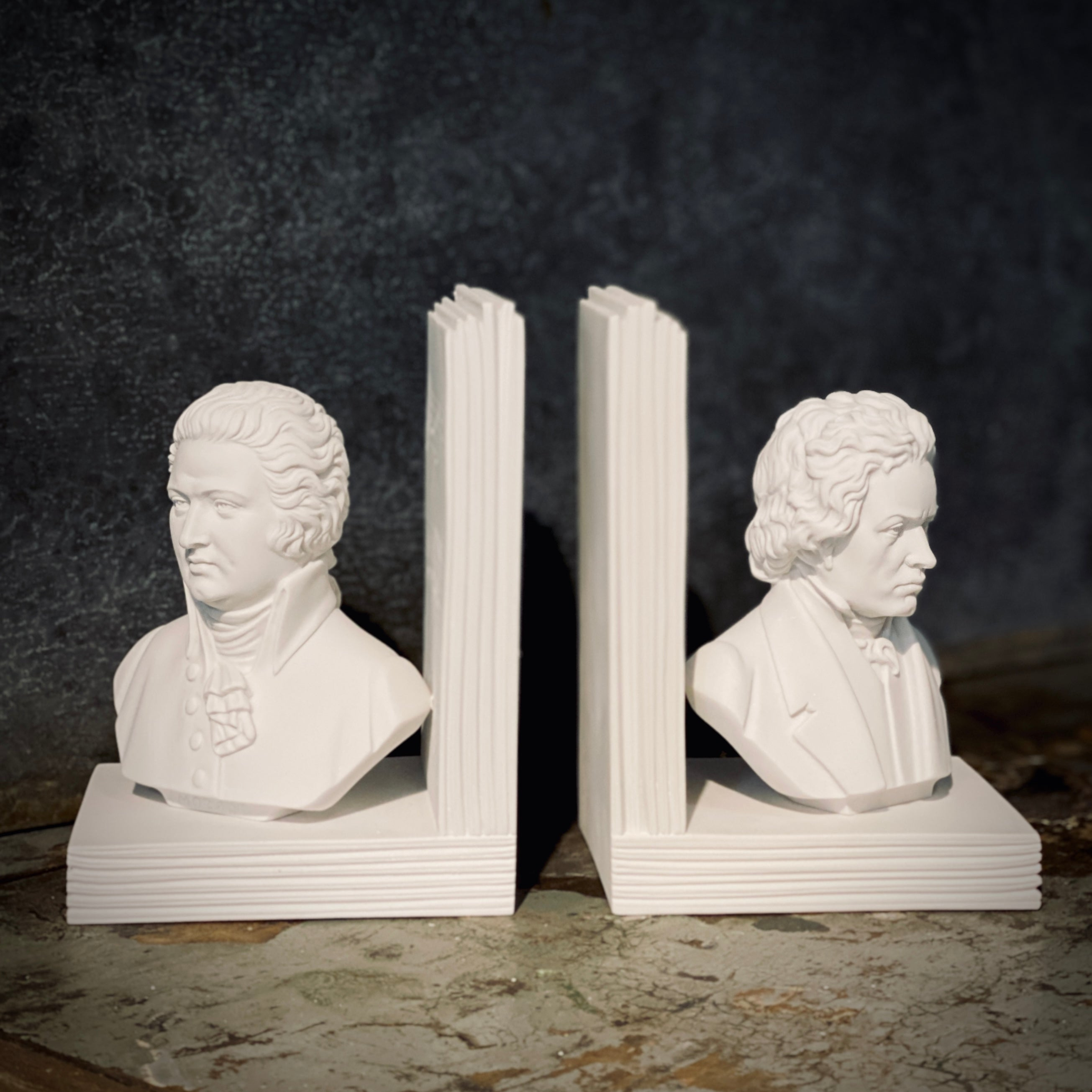BOOKENDS ALABASTER  - BEETHOVEN + MOZART - 15CM