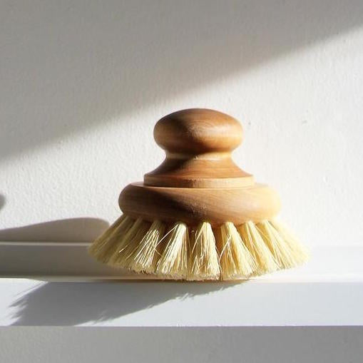 Dish Brush with knob- Iris Hantverk