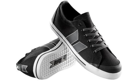 Macbeth Eliot Black Medium Grey