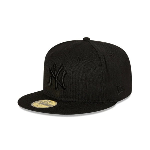 New Era New York Yankees Black on Black 59FIFTY Fitted Cap 70000984 Famous Rock Shop Newcastle, 2300 NSW. Australia. 1