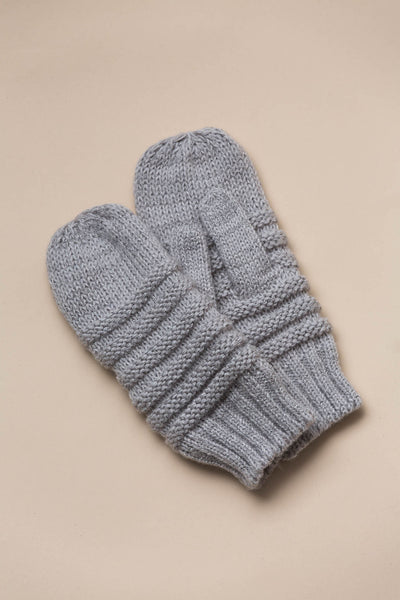 Quebec Knit Mittens in Smoke Gloves Look By M - Hello Holiday