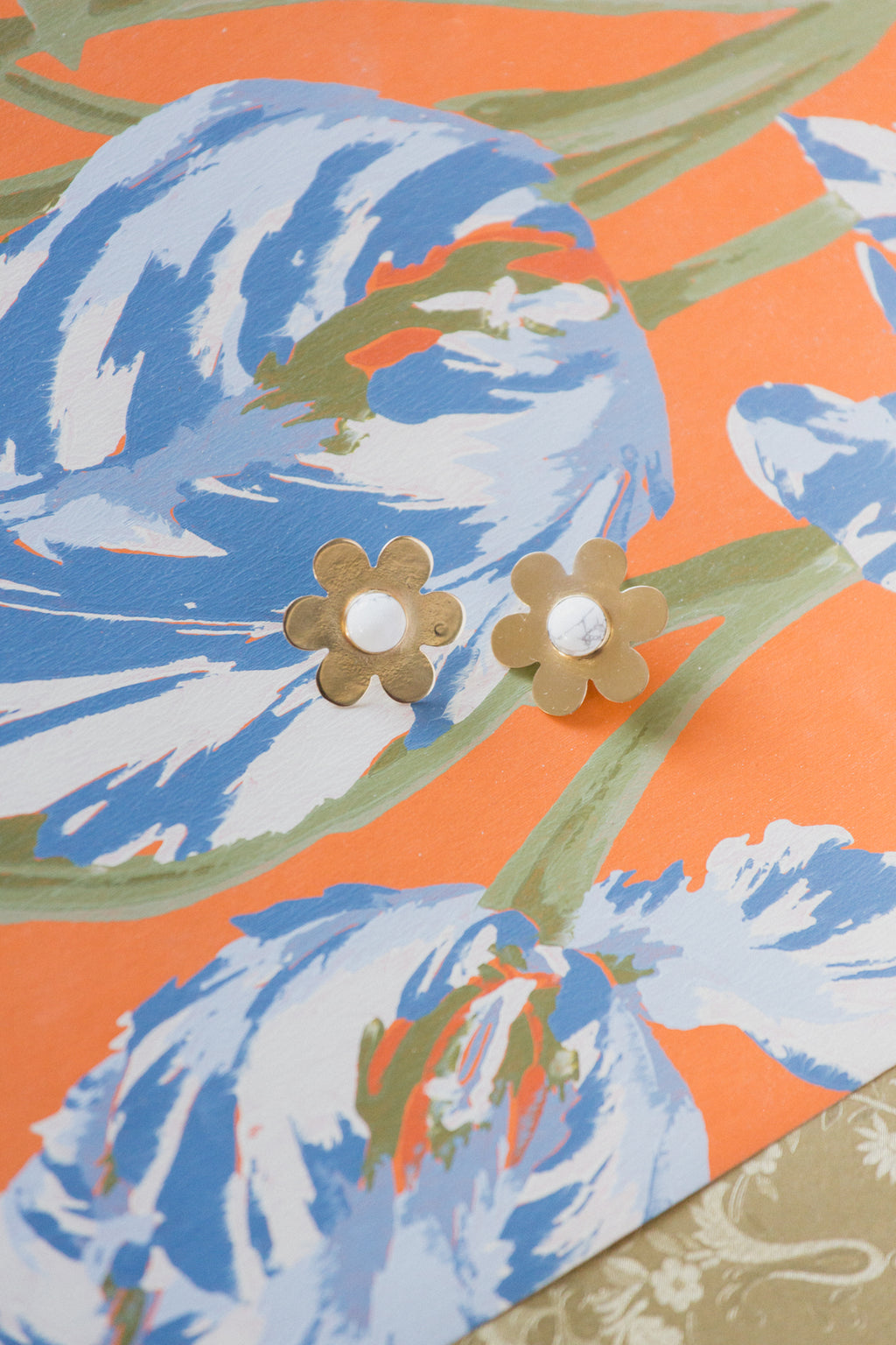 Daisy Earrings with White Howlite