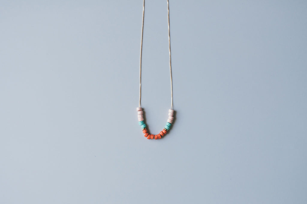 POOLSIDE NECKLACE