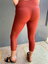 Load image into Gallery viewer, Rust Cropped Legging