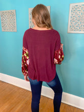 Load image into Gallery viewer, Burgundy Floral Sleeve Top