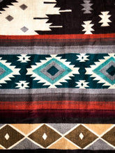 Load image into Gallery viewer, Qata Reversible Alpaca Blanket (Aztec Pattern)