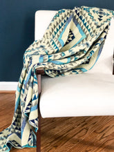 Load image into Gallery viewer, Qata Reversible Alpaca Blanket (Blue Geo Pattern)
