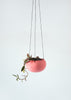 Hanging pot / Pot suspendu