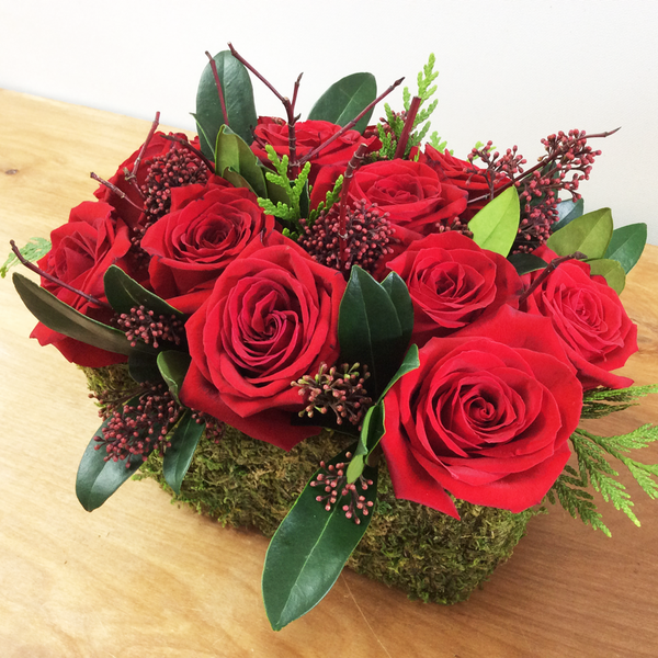 Holiday Compact Rose Arrangement