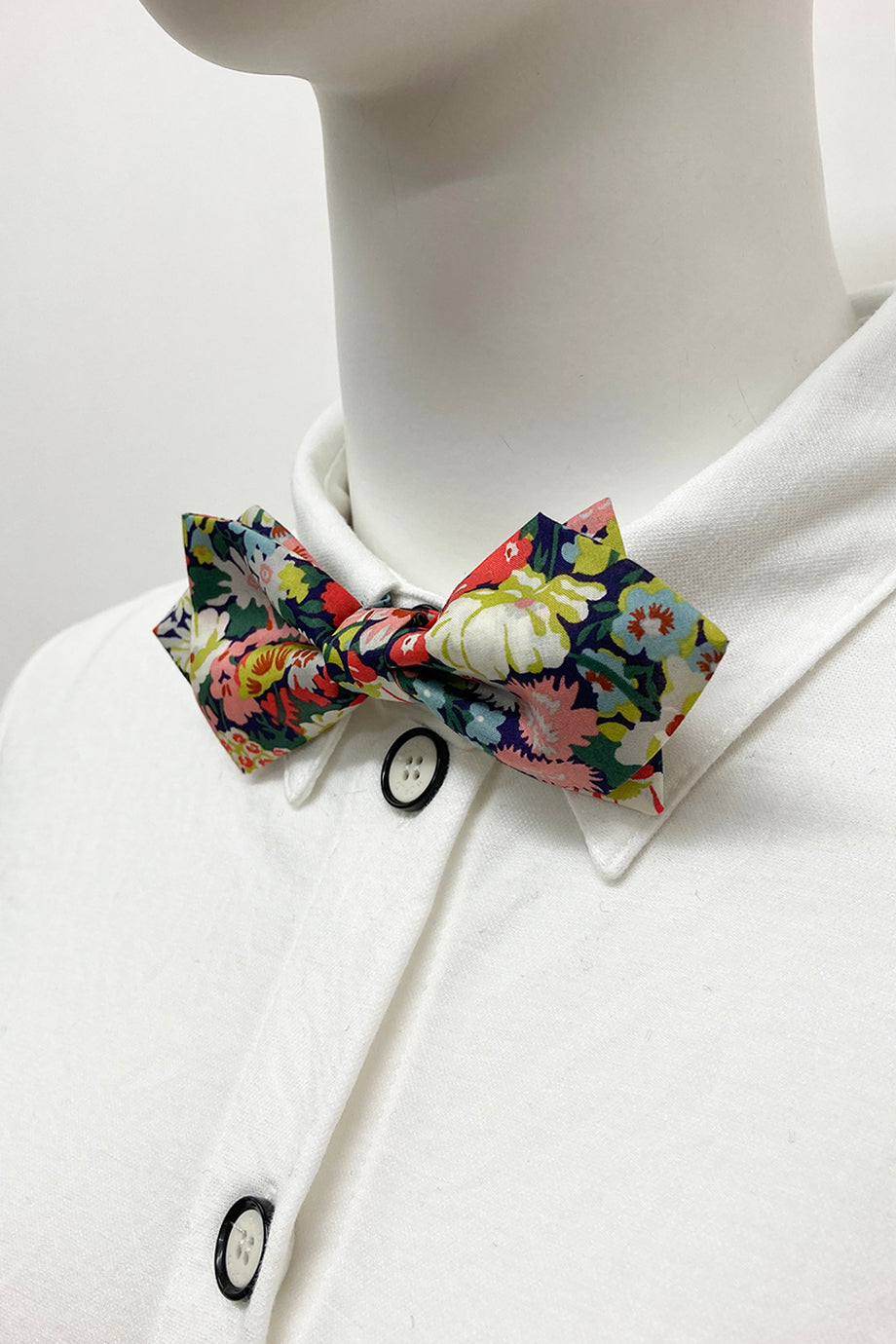WORLD Diamond Point Bow Tie - Liberty's Floral Cotton