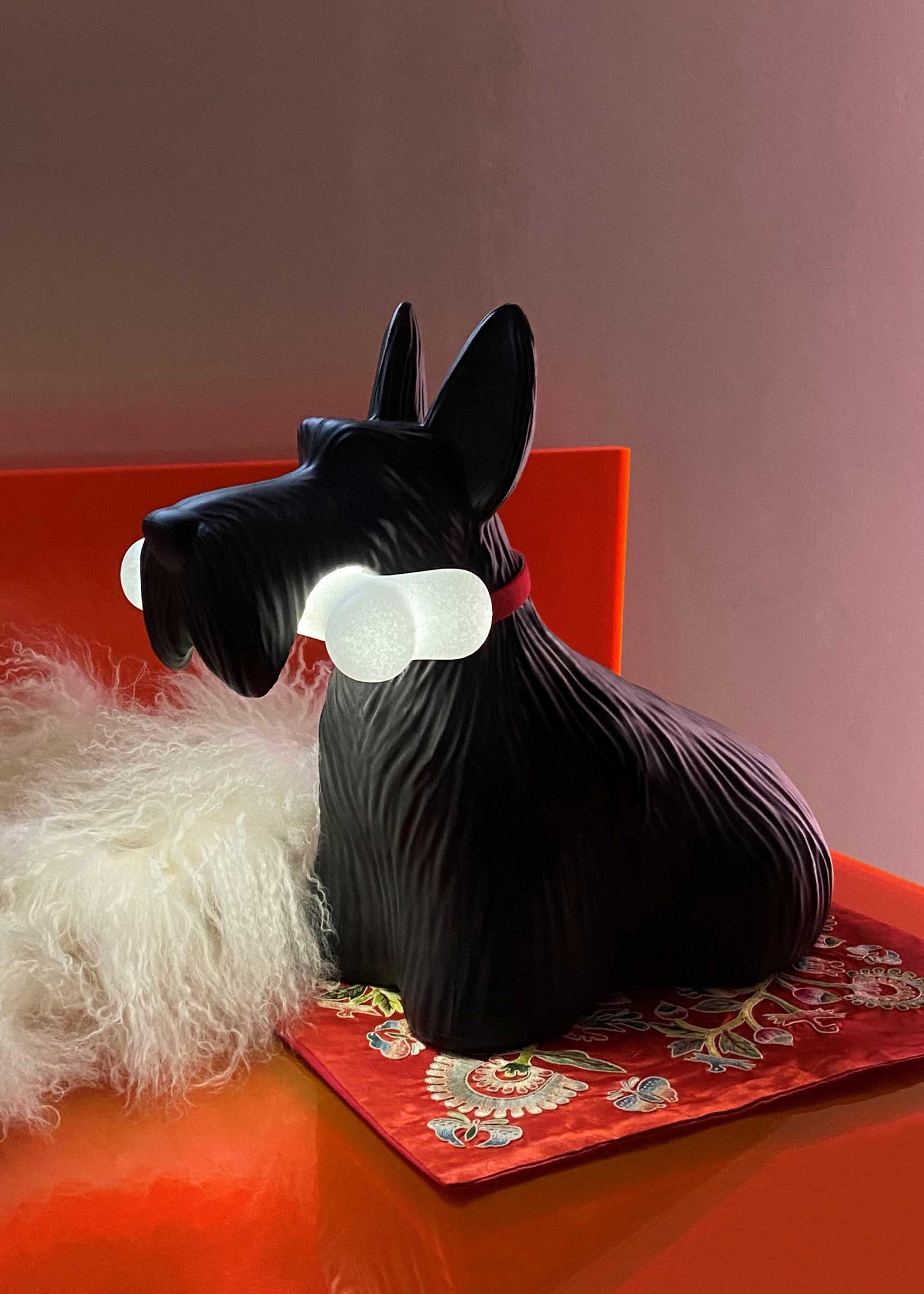 Qeeboo Scottie Lamp Black