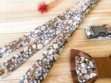 Load image into Gallery viewer, Vintage Floral Dog Collar & Leash Set