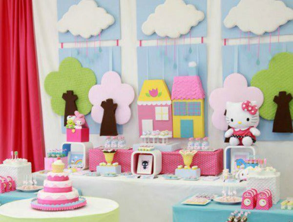 This Charming Hello Kitty Birthday Party For A 2 Year Old Was Created By Sweet Memories Parties Design The Table Included Cookies
