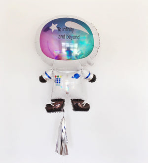 SUPERSHAPE IRIDESCENT ASTRONAUT FOIL BALLOON (50cm x 76cm)