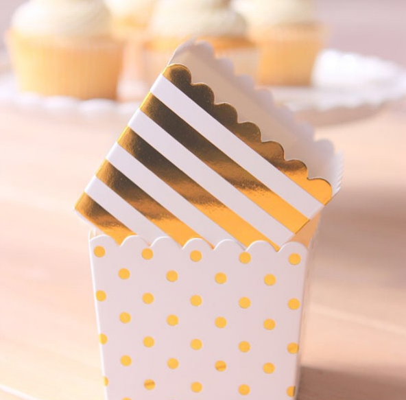White & Gold Dot Scallop Favour Boxes (6 pack) - Bickiboo Designs