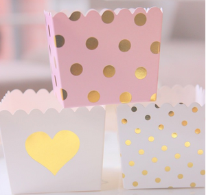 White & Gold Foil Heart Scallop Favour Boxes (6 pack)