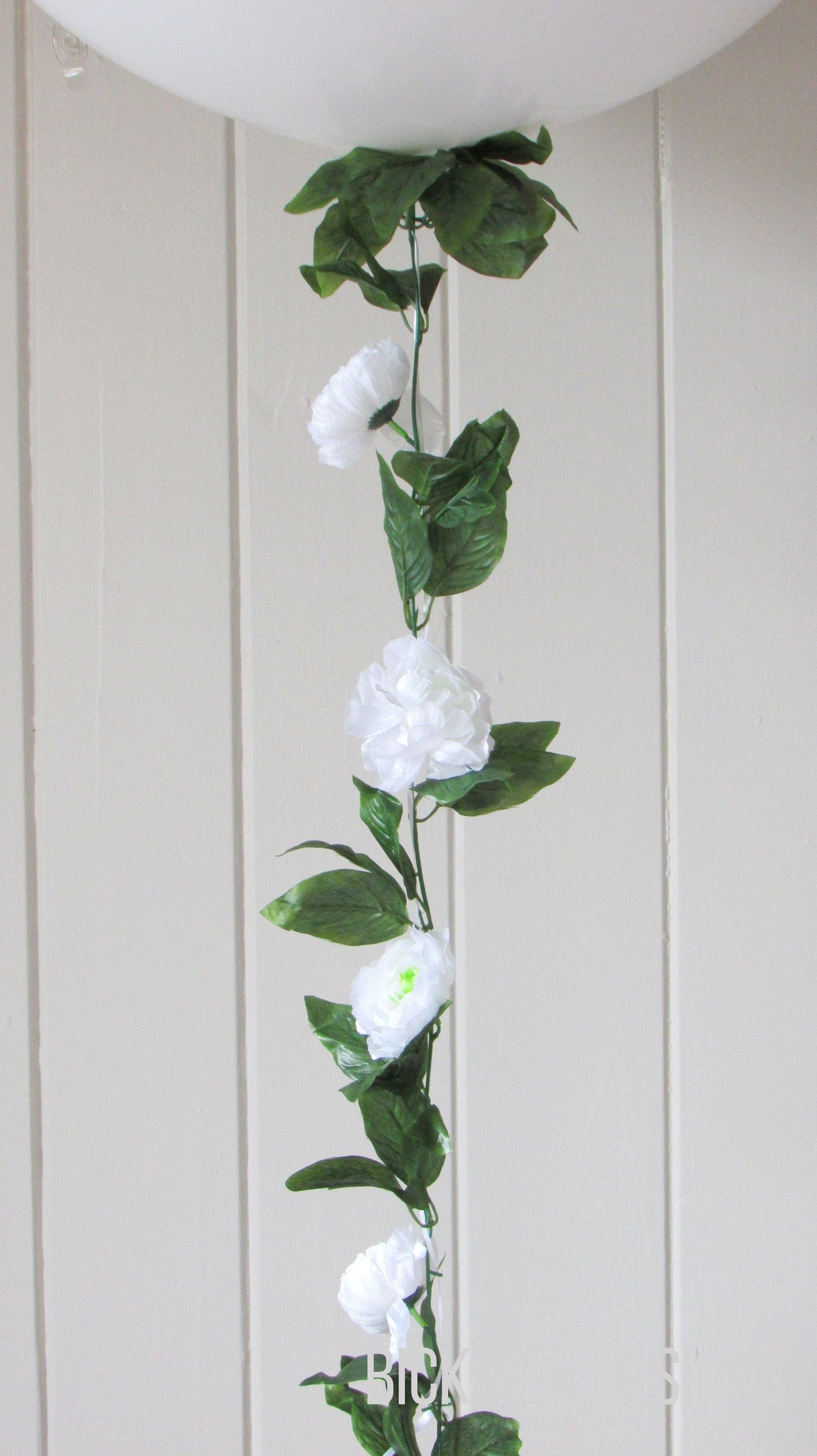Balloon Tail -  White Peony Garland