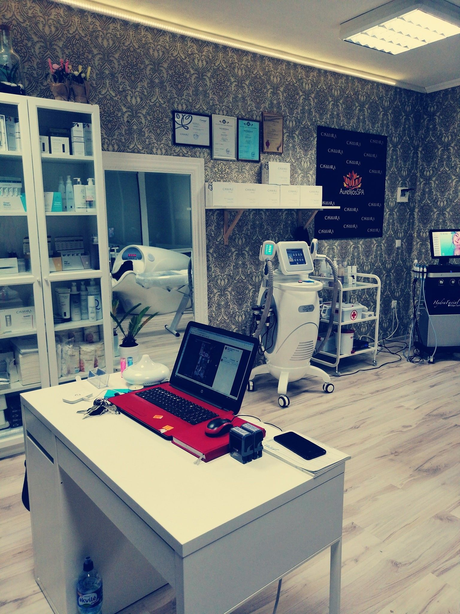 Hydra dermabrasion equipment - Cryotherapy equipment - VelaShape - Serums with hyaluronic acid - Training to work - Purchase in installments - AurelijosSPA