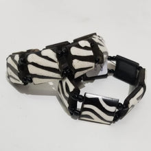 Load image into Gallery viewer, Batik Bone Elastic Bracelet