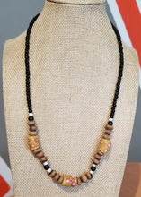 Load image into Gallery viewer, Unisex Trade Bead Necklace