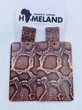 Load image into Gallery viewer, Homeland Snake Earrings