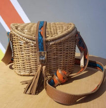 Load image into Gallery viewer, ÉKÉTÉ Mini Zanzi Straw Handbag