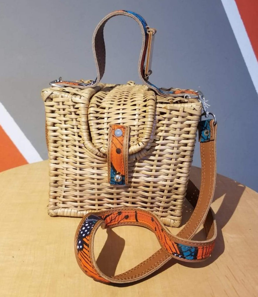 ÉKÉTÉ Box Straw Handbag