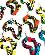 Load image into Gallery viewer, Ankara 'Africa' Earrings