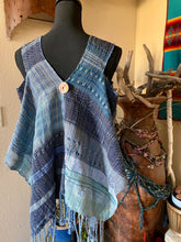 Load image into Gallery viewer, Lacey handwoven vest