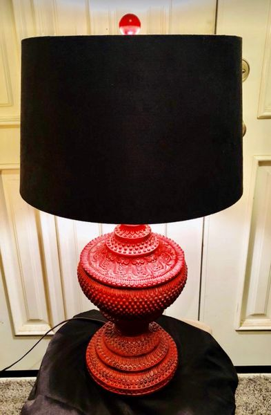 Red Chinese Urn Black Lamps