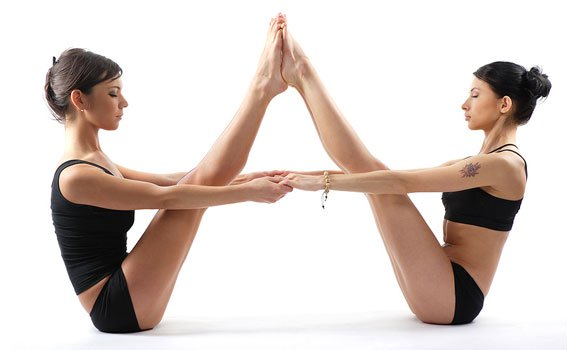5 Kickass Couple Yoga Poses