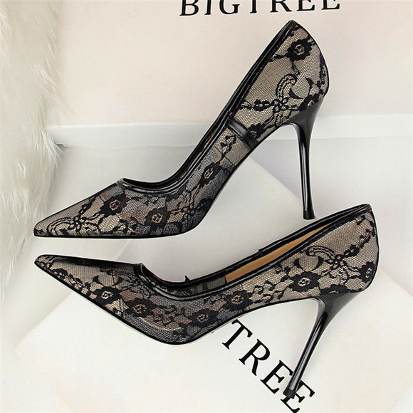 Sexy Black Flower Lace Pumps