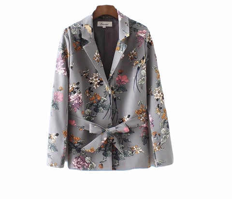 Gardenia floral collared blazer with tie