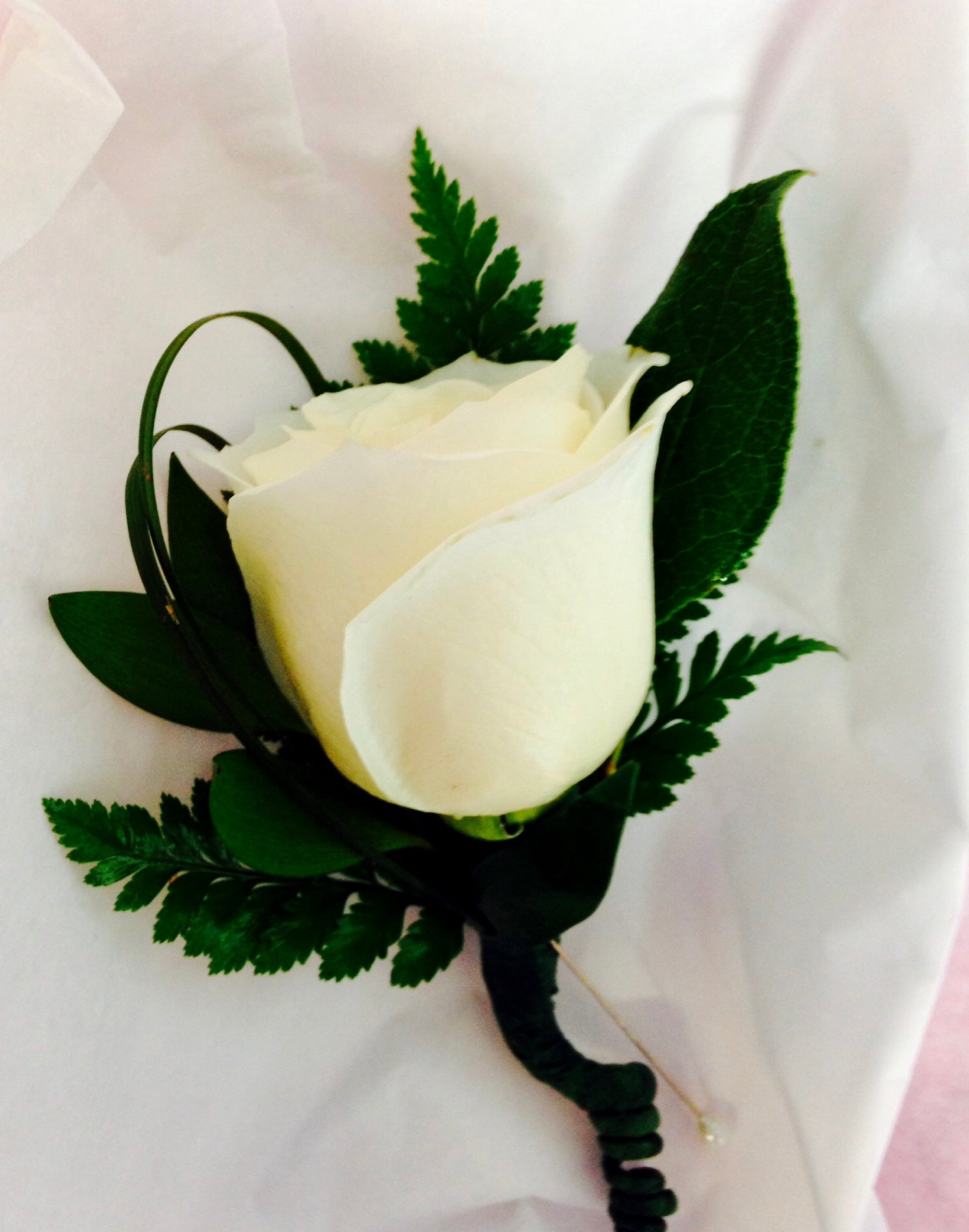 Men's Rose Boutonniere - White
