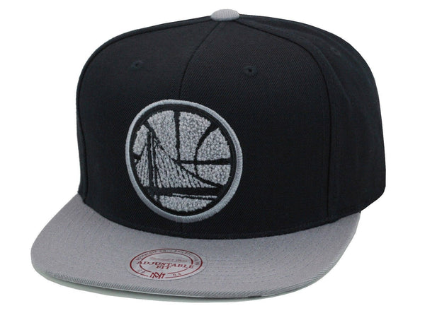 GOLDEN STATE WARRIORS MITCHELL & NESS CHROME 8 SNAPBACK HAT