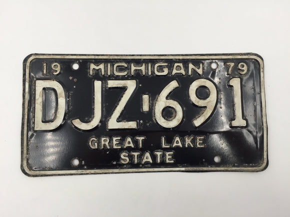 7849 - AU - 1979 Michigan License Plate