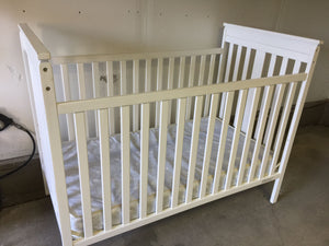 "7899 - H - White Baby Crib with Clean Mattress - ""In Store Pick-Up Only on this Item"""