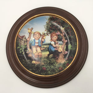 8191 - C - M. I. Hummel Plate - Apple Tree Boy & Girl