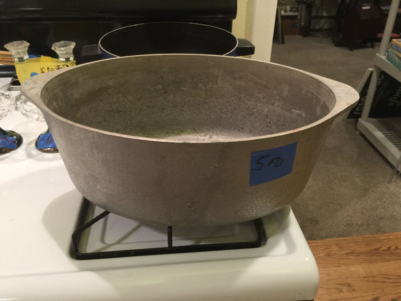 8340 - H - Large Metal Oval Pot