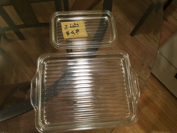 8353 - H - 2 Fluted Glass Plates