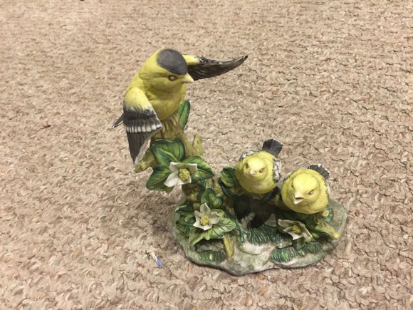8362 - C - Ceramic Bird Statue - Mother Bird Tending Her 2-Baby Chicks - Used Condition - Broken Wing